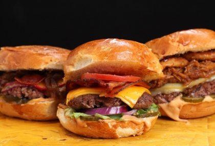 Qualquer Hambúrguer do Cárdapio + Batata + Bebida com 10% de desconto