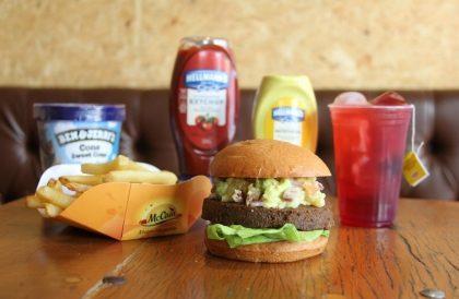 Combo R$40: VG Burger + Batata McCain + Chá Gelado Lipton + Sorvete Ben & Jerry's