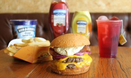 Combo R$40: Beco Burger + Batata McCain + Chá Gelado Lipton + Sorvete Ben & Jerry's