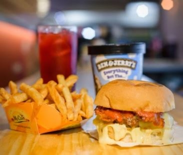 Combo R$40: Hambúrger + Batata McCain + Chá Gelado Lipton + Sorvete Ben & Jerry's
