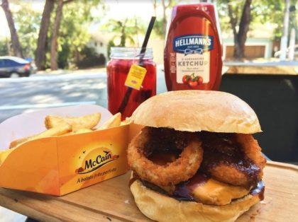 Combo R$30: Hambúrger + Batata McCain + Drink de Chá Lipton