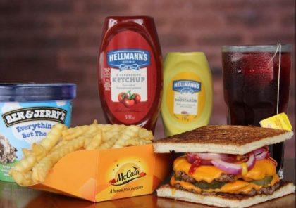 Combo R$40: Burger American Dream + Drink de Chá Lipton + Batata Crinkle McCain + Ben & Jerry's