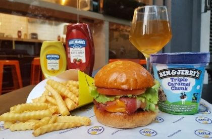 Combo R$40: Burger + Batata McCain + Drink de Chá Lipton + Sorvete Ben & Jerry's