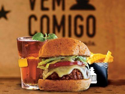 Combo R$30: Veggie Burger Psicopata ou Supeito + Batata McCain + Drink de Chá Lipton
