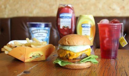 Combo R$40: Burger Clássico + Drink de Chá Lipton + Batata McCain + Sorvete Ben & Jerry's