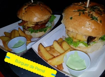 Cozinha de Família: 15% de desconto no Hambúrguer de Pernil ou na porção de hambúrgueres