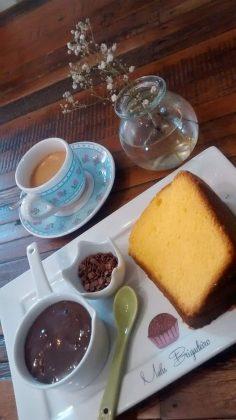 Compre 1 fatia de bolo e ganhe 1 café na Malu Brigadeiro