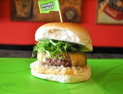 Combo R$30: Veggie Burger + Drink de Chá Lipton + Batata McCain