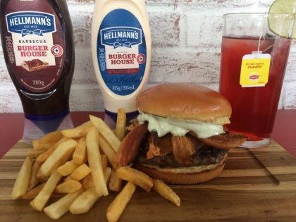 Combo R$30: Boca Burger + Drink de Chá Lipton + Batata McCain