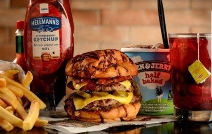 Combo R$40: Qualquer Burger (exceto triplo) + Drink de Chá Lipton + Batata McCain + Ben & Jerry's