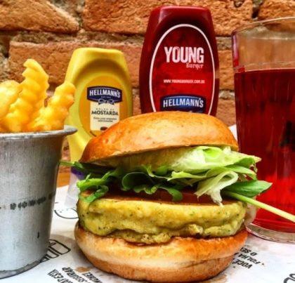 Combo R$30: Veggie Burger com Bonduelle + Drink de Chá Lipton + Batata McCain
