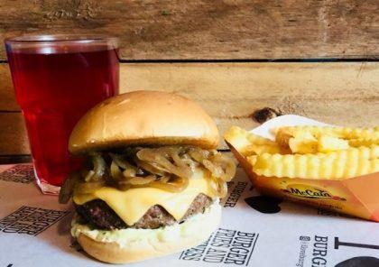 X-Burger Cebola + Fritas + Chá Gelado por apenas R$ 29,50
