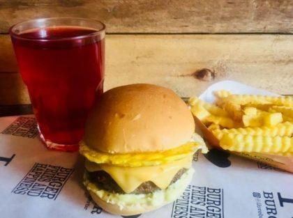X-Burger Egg + Fritas + Chá Gelado por apenas R$ 29,50
