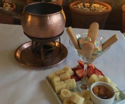 Fondue Salgado + Fondue de Chocolate Tradicional para 2 por R$169,00!