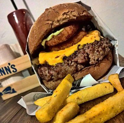 Burger + Batata + Refrigerante + Sorvete Ben & Jerry's por apenas R$36,00!