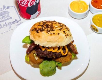 Burger Dragon Ball + 1/2 porção de Fritas + Bebida por R$29,90