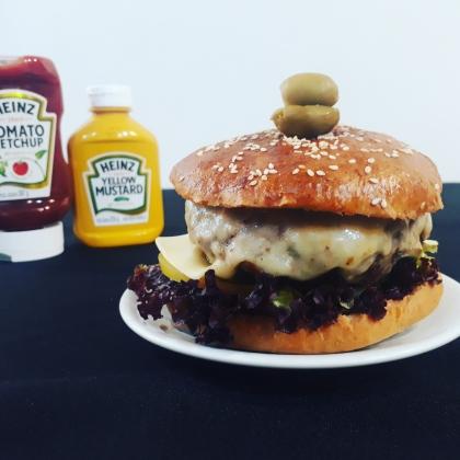 Hambúrguer 100% Picanha + Fritas + Bebida por apenas R$24,90!