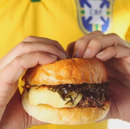 Copa do Mundo: Burger Brasil + Regular Fries + Lemonade por apenas R$ 36!