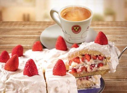 Fatia de Bolo de Morango + Café Espresso Duplo por apenas R$ 17,90