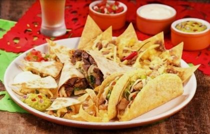 Combo Guacamole (Taco + Nacho + Quesadilla + Burrito) para até 2 pessoas por R$ 49,90