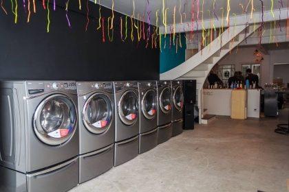 Ciclo da máquina de lavar e secar roupas com 25% de desconto!