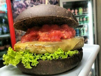 Burger X Salada Veggie por apenas R$ 18,06