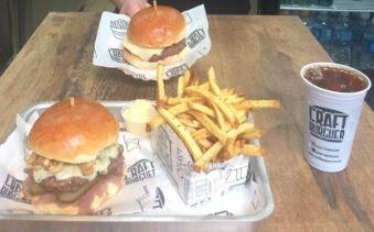GANHE 1 Cheese Burguer na compra de 1 Combo Grande de qualquer hambúrguer