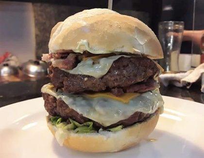 GANHE um Burger de Costela na compra de um Burger Duplo Completo