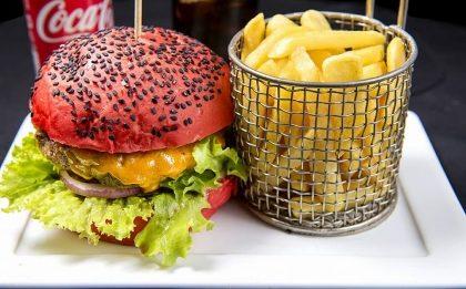 GANHE um Burger Primogênito na Compra de Hambúrguer + Batata + Refri