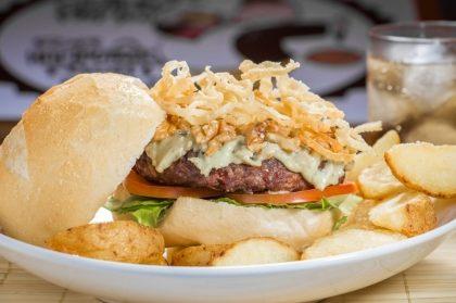 GANHE um Cheese Burger na compra do combo Burger HB Gorgonzola + Fritas