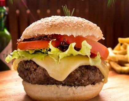 GANHE outro burguer na compra do combo Hambúrguer da Casa + Refrigerante (lata) + Fritas