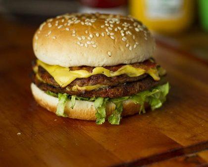 Na compra de um Burger Crazy, GANHE outro