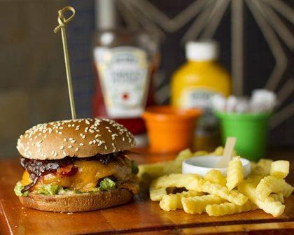 Na compra de um Burger Angry + Fritas Crinckle, GANHE outro