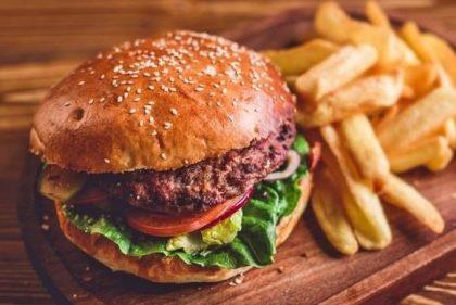 GANHE qualquer Burger na compra do Monster Burger + Batata + Bebida + Waffle especial