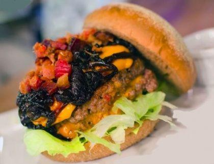 GANHE 1 Cheese Burger na compra de 1 Burger Al Capone