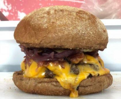 (20/10) GANHE 1 Basicão Burger na compra de 2 Piratas Burgers
