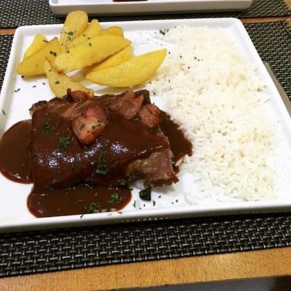 Jantar Completo: Costelinha Suína + Risoto + Sobremesa por R$59,90!