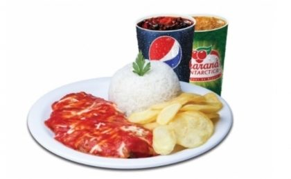 Center 3: Parmegiana de Frango + Arroz + Batata + 1 Refri por R$17,90!