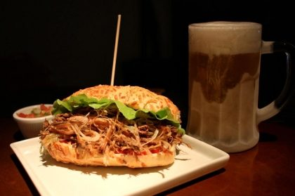 (SJC) Sanduíche de costela + 1 Chopp por R$ 20,00