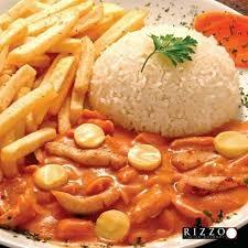 Strogonoff de Frango + Arroz + Fritas por $17,90 (Eldorado)