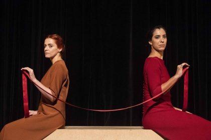 """Espetáculo """"As Irmãs Siamesas"""" por R$ 20,00!"""