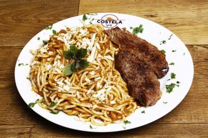 (Internacional Shopping) 2 Espaguetes com Costela + 2 Refrigerantes 300ml por R$ 26,80