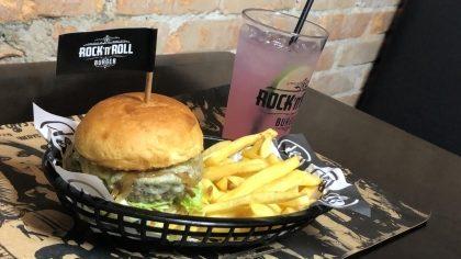 Escolha seu Burger + 1/2 Fritas + Refil Lemonade por apenas R$ 29,90!