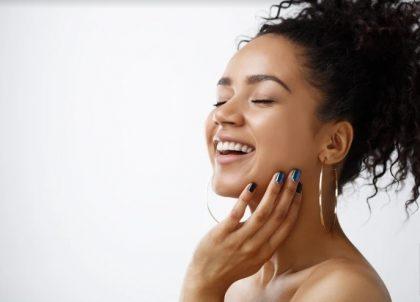 Ganhe 1 Serviço de Manicure ou Pedicure no aplicativo Singu