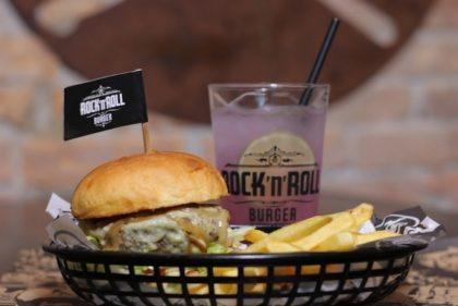Qualquer Burger do cardápio + 1/2 fritas + Refil Rock Lemonade por apenas R$ 36,90!