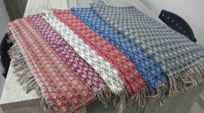 Resende Artesanatos: Na compra de um produto GANHE 2 tapetinhos de retalhos!