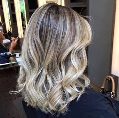 Luzes, Mechas, Ombré Hair ou Californianas com Matização por apenas R$ 99,90!