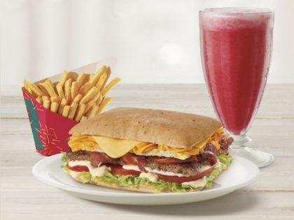 Combo Quadra Burger + Batata Média + Bebida 300ml por R$ 23,90