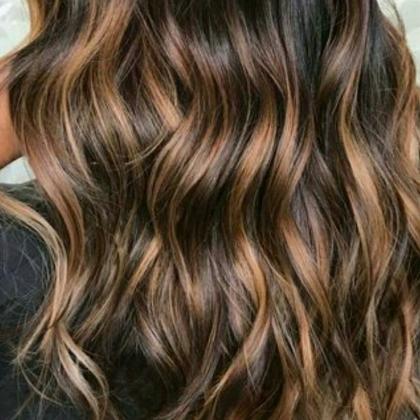 Luzes, Californianas ou Ombré Hair com Matização + Escova + Hidratação por R$99,90!
