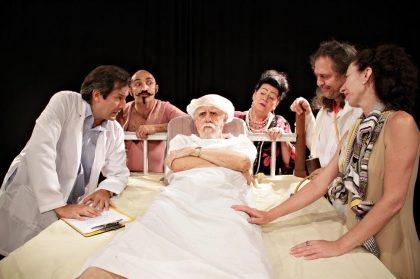 """Espetáculo """"Na Cama com Molière"""" com 50% de desconto!"""